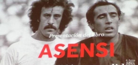 La portada del libro con Asensi y Del Bosque