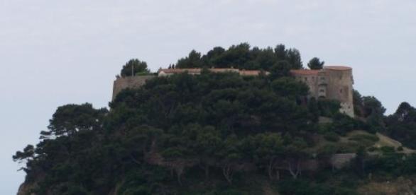 Le Fort de Brégançon, lieu de vacances des stars.