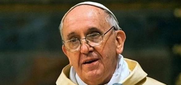 Papa Francisco condena decapitação de cristãos