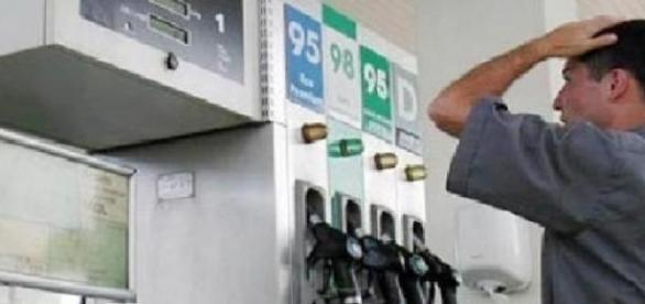 accize mai iefine la carburanti