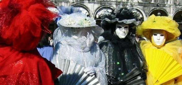Carnaval, época de realizar fantasias.