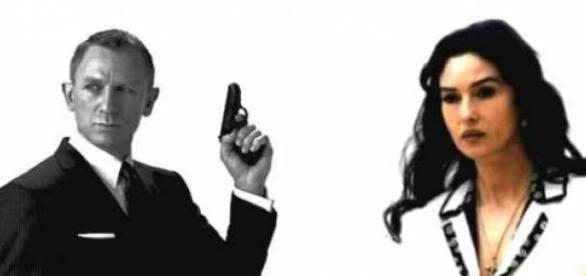 La pistola di 007 è pronta a sparare.
