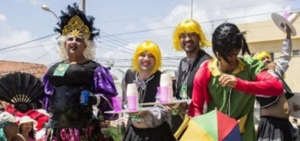 Algumas virgens desse ano no palco para o júri