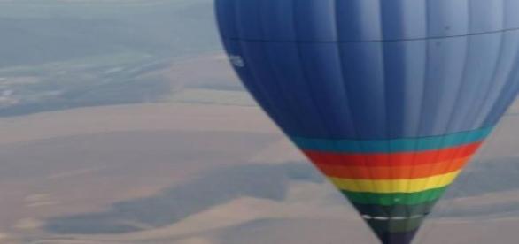 cu balonul si au doborat doua recorduri mondiale