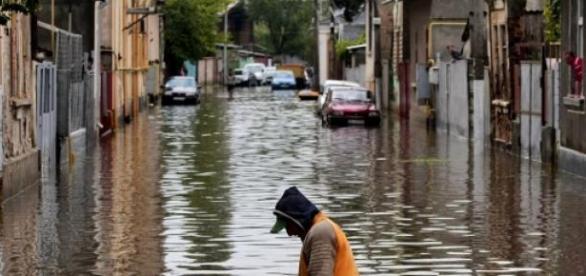 Inundatiile au navalit peste Bulgaria.