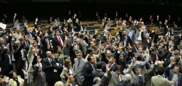 Outras eleições importantes acontecem no Brasil