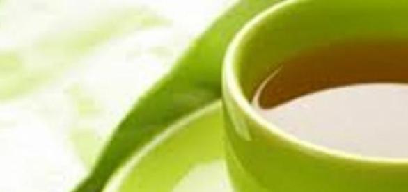 Cele trei benefici naturale ale ceaiului alb