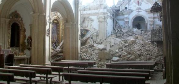 Desperfectos causados por el seismo en Lorca.