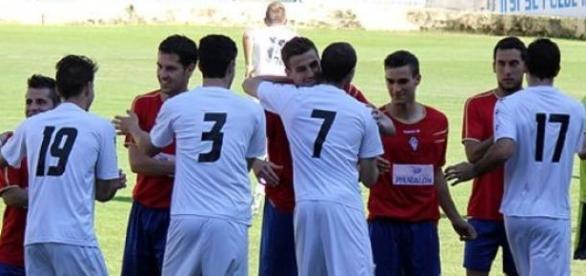 Jugadores del Alba, ante del inicio de un partido