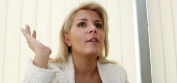 Elena Udrea: Nu mai bine ma ardeti pe rug?