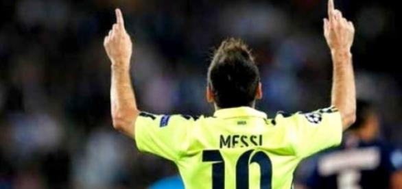 Leo Messi celebrando un gol en un partido