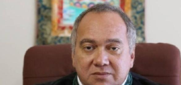 Juiz Flávio Roberto de Souza é alvo de sindicância