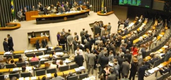 Pacote de bondade é dado aos 513 deputados