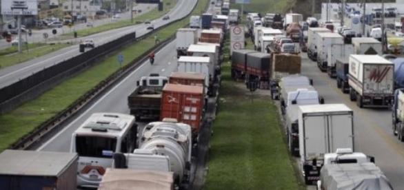 Caminhoneiros serão multados em até R$10 mil