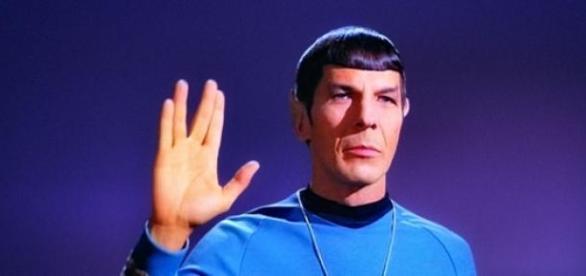 Leonard Nimoy interpretando 'Spock'