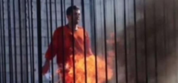 Barbatul incendiat , ce ar fi pilotul iordanian