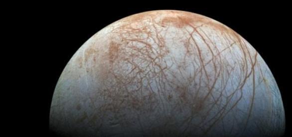 Europa, uno de los mayores satélites de Júpiter.