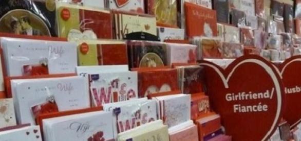 Oferecer cartões é habitual nos Estados Unidos.