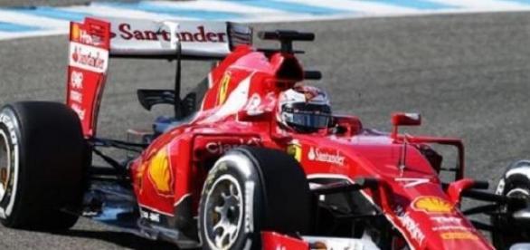Raikkonen et Ferrari dominent les essais à Jerez
