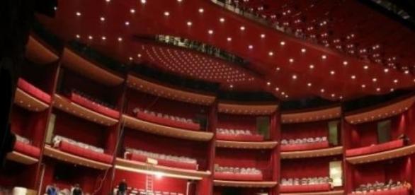 Sala mare a teatrului va fi deschisa de Dan Puric.