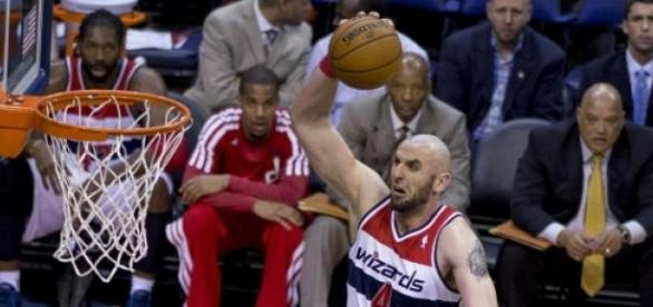 Marcin Gortat - fot. Keith Allison (CC BY-SA 2.0)