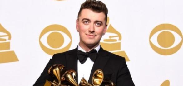 Sam Smith foi o artista que ganhou mais Grammys.