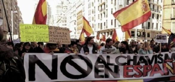 Se movilizan en contra de Podemos
