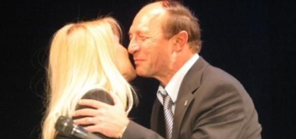 Traian Basescu face presupuneri