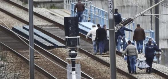 Agentes foram colhidos por um comboio