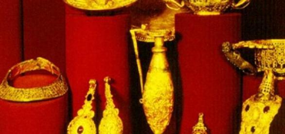 Aur, argint si aventuri de milioane