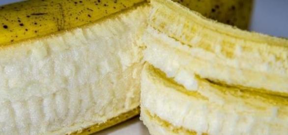 intrebuintarea cojilor de banane