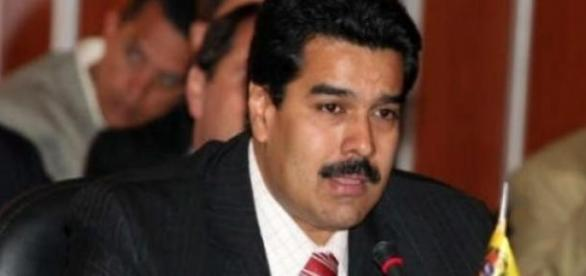 Nicolas Maduro demande des pouvoirs spéciaux.