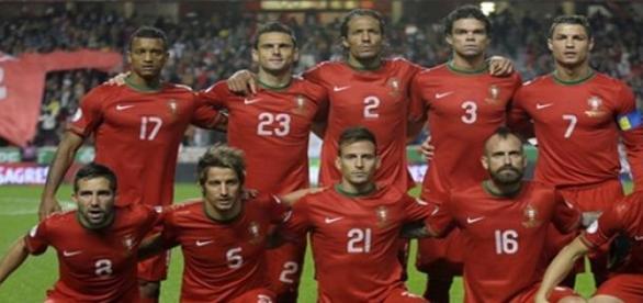Comandados de Santos firmes no 'top ten' da FIFA