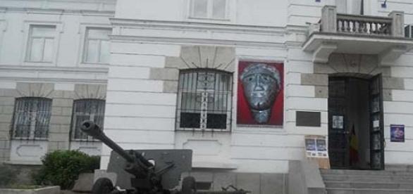 Comoara geto-dacica la Muzeul de Istorie Valcea.