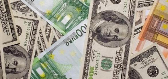 Dolarul a crescut considerabil