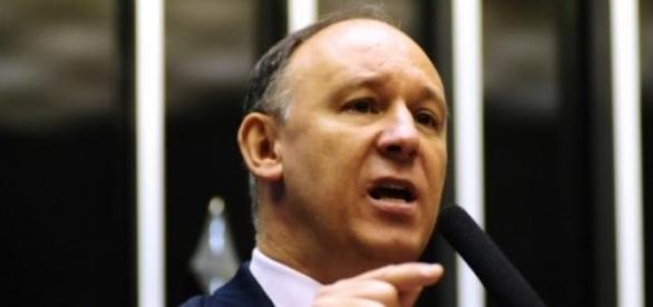 Ministro opinou sobre as manifestações no Brasil