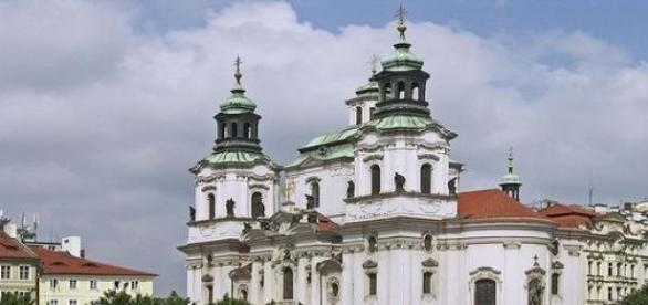 Praga - widok na katedrę Św. Mikołaja