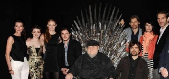 Producatorii si starurile serialului