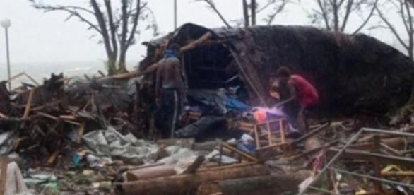 Casa din Vanuatu dupa trecerea ciclonului Pam