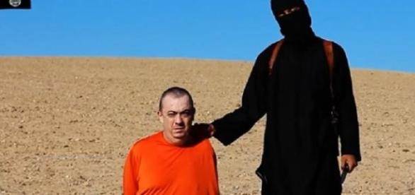 De ce ostaticii ISIS sunt relaxati la executie?
