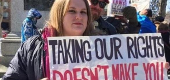 Les manifestants étaient inquiets de leurs droits.