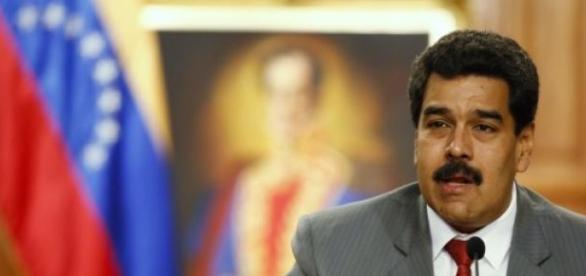 Maduro no se corta un pelo con Rajoy