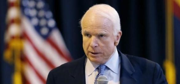 Senatorul american John McCain