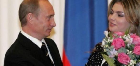 Vladimir Putin ar astepta al treilea copil