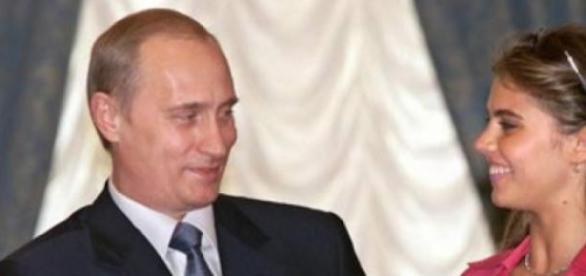 Vladimir Putin asteapta o fetita