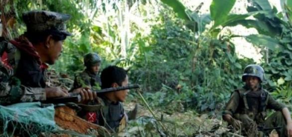 Governo de Myanmar acusa rebeldes pelo ataque.