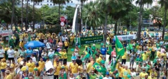 Concentração dos manifestantes em Fortaleza