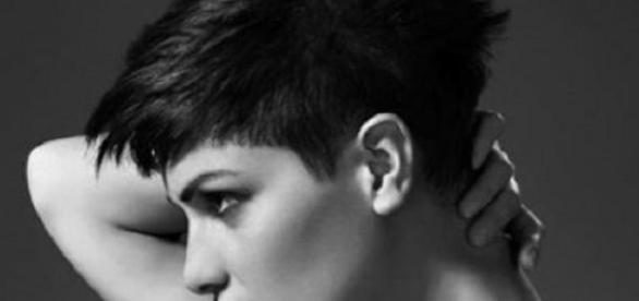 Tagli capelli corti undercut