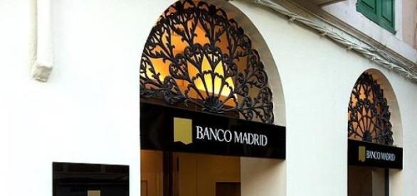 Banco Madrid sin servicio tras escándalo