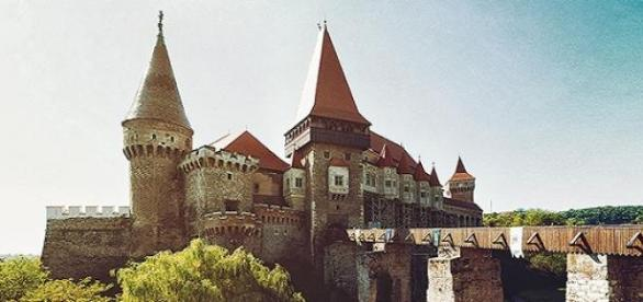 Castelul Corvinilor inclus in Castle Break